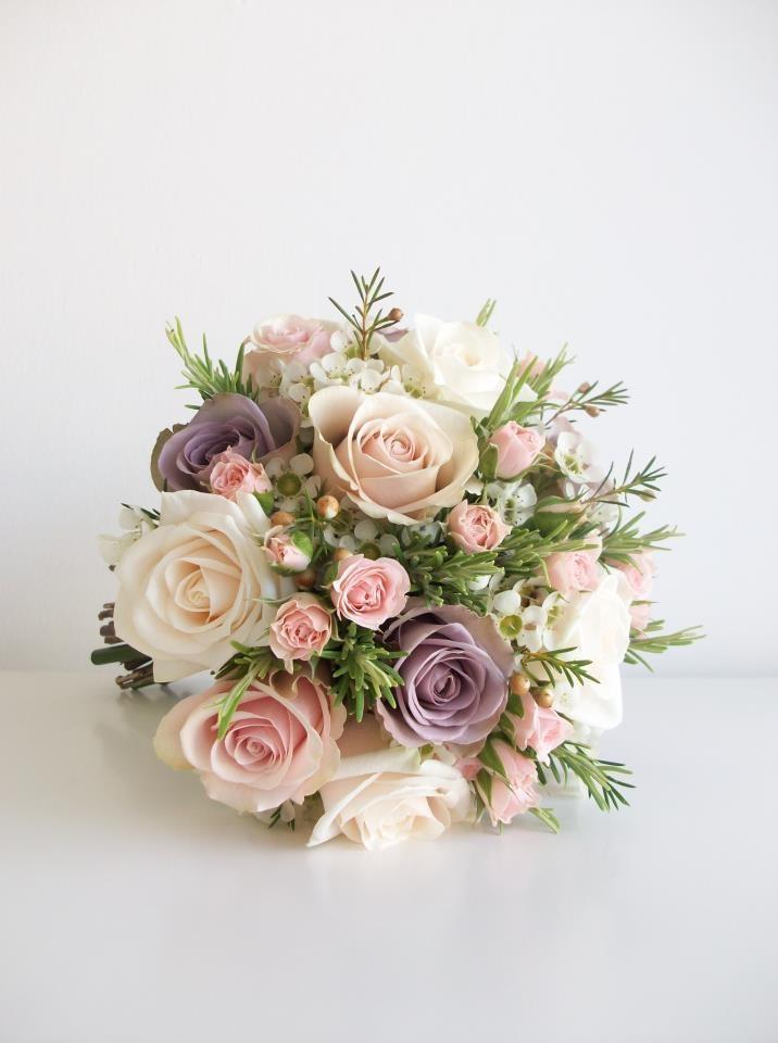 Pastell Hochzeit Dezente Pastell Blumenstrauss 2045885 Weddbook
