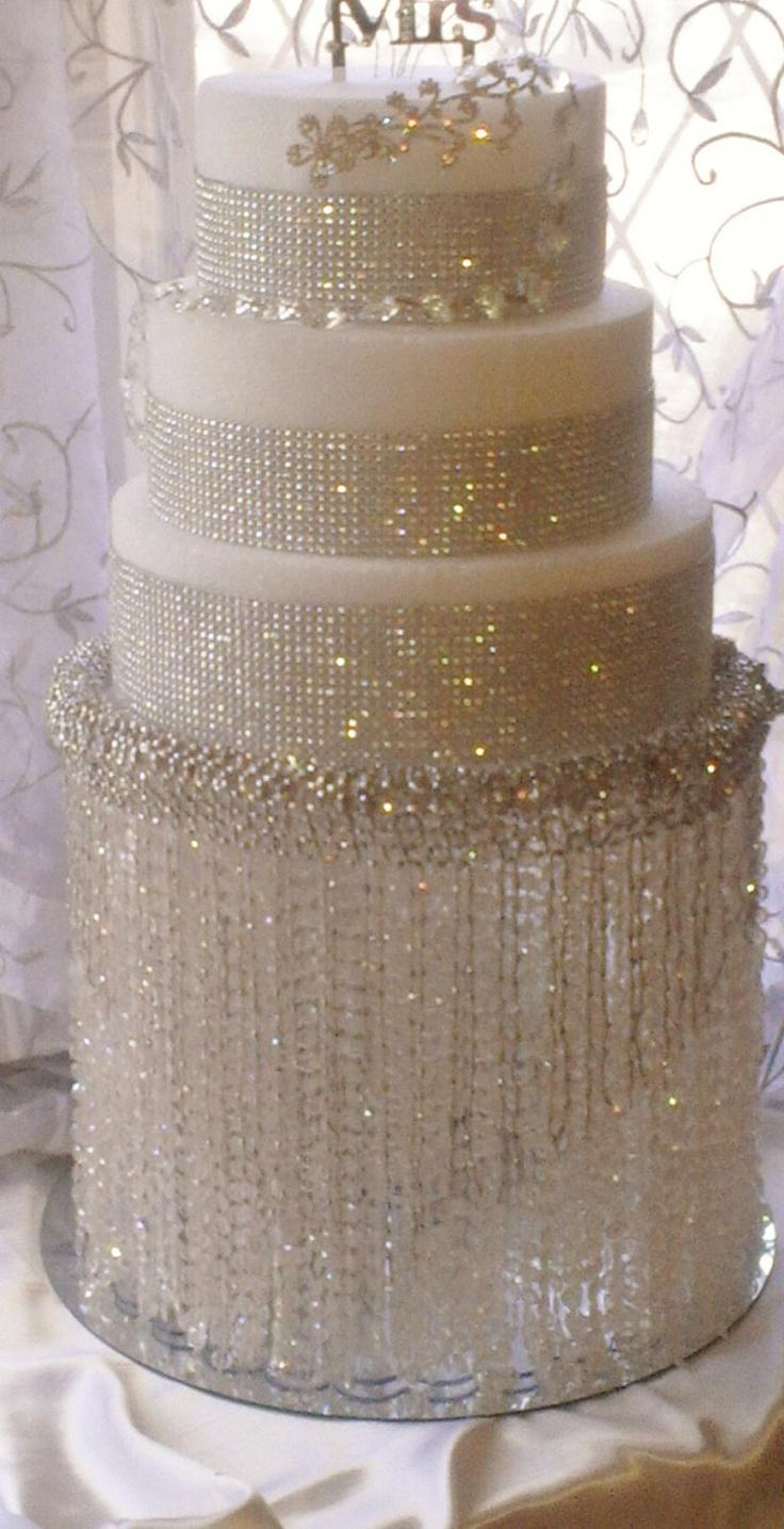 The Gallery For gt Chandelier Wedding Cake Stand
