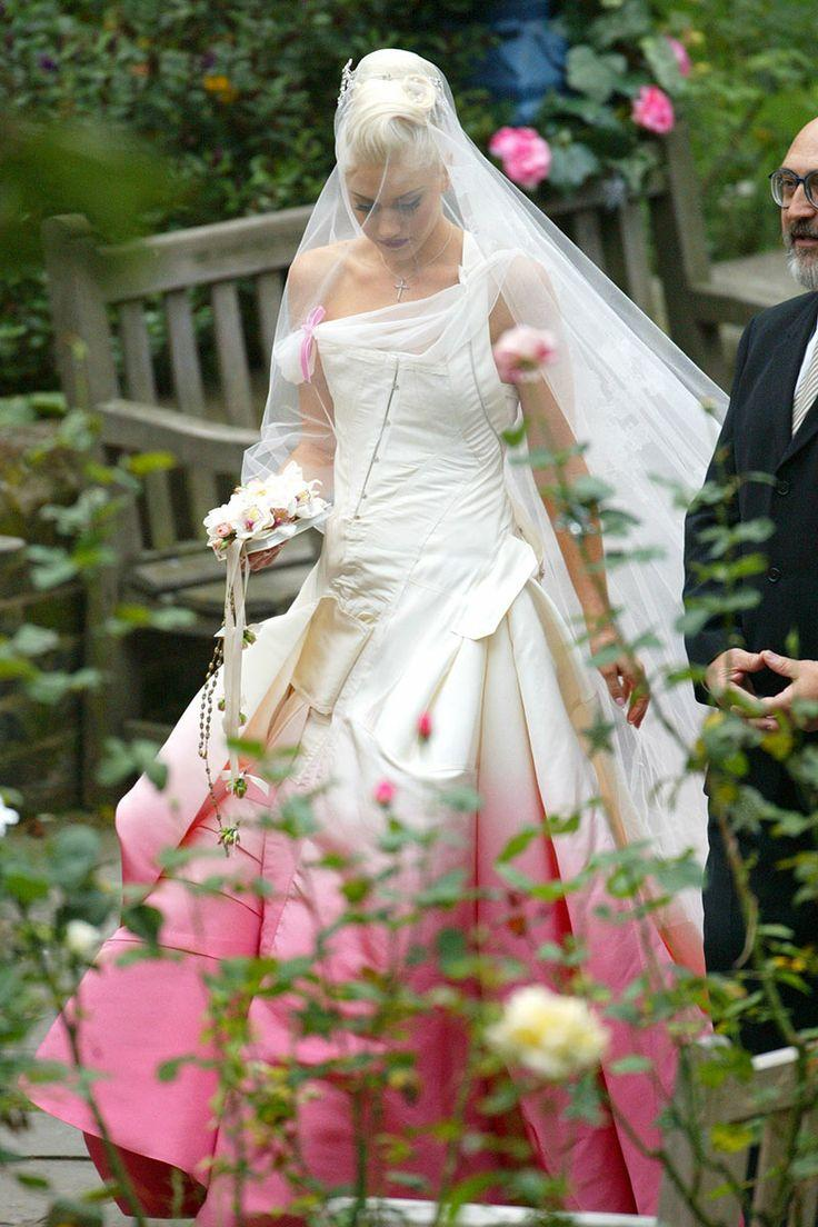 Stefani Gwen pink wedding dress recommend to wear in winter in 2019