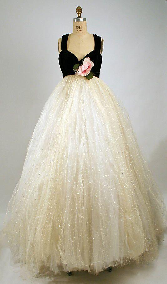 Mariage - 1957 Elizabeth Arden.