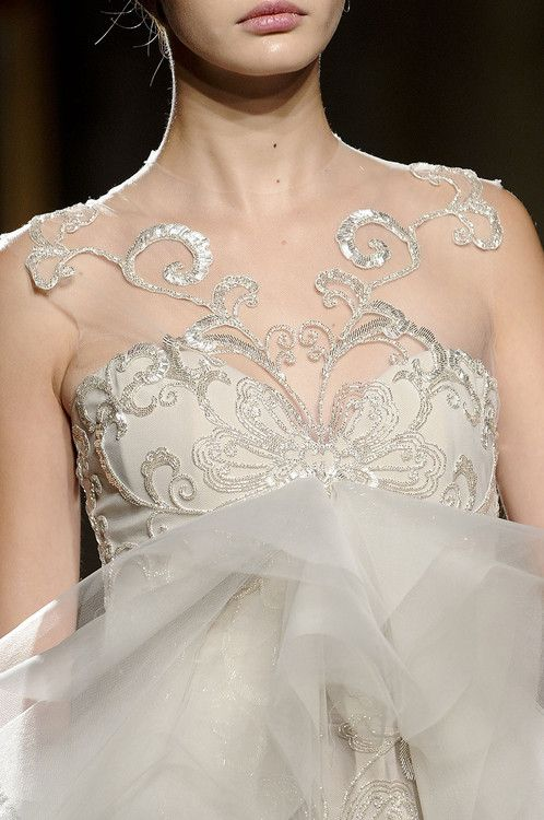 Mariage - Paillettes blanches et Tulle