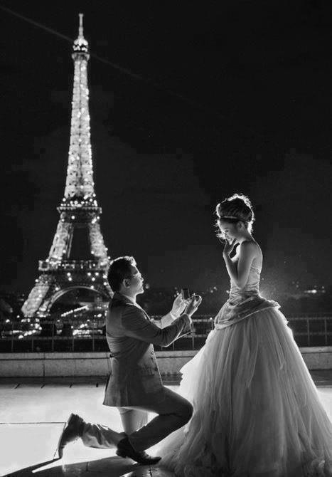 Wedding - Romantic Eiffel Tower Pictures