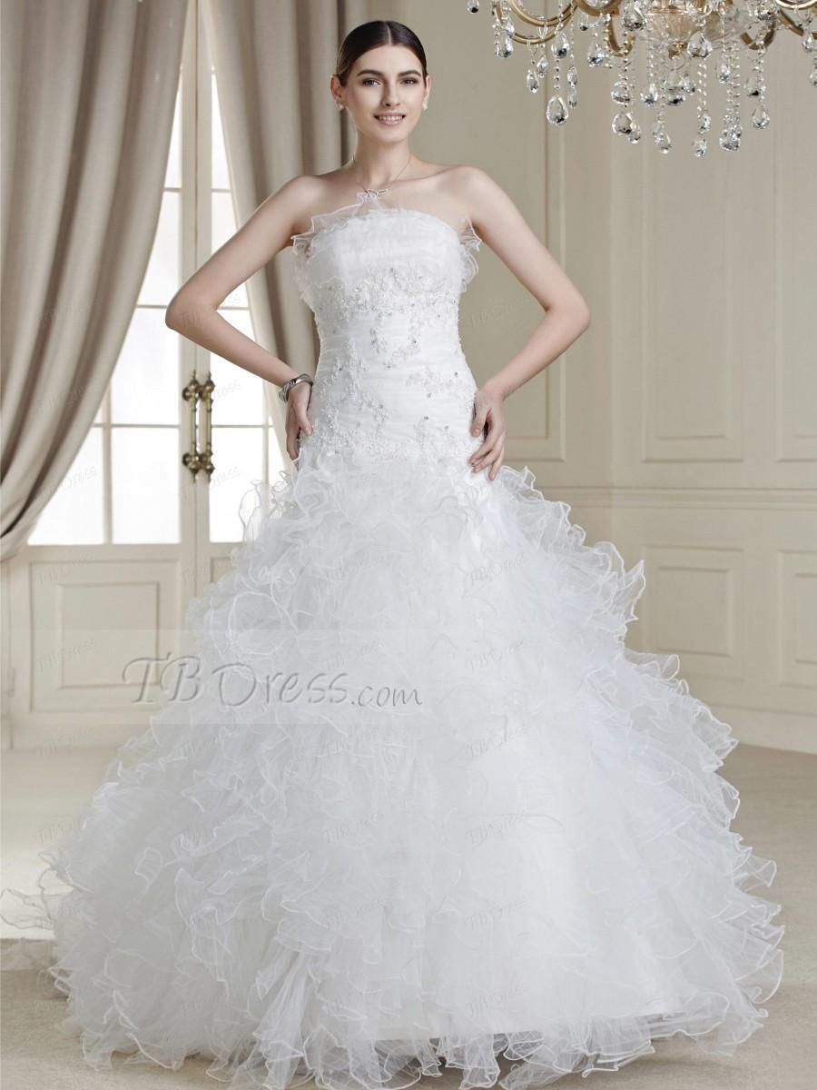 Mariage - $ 168.29 Charming Ball Gown Floor-length Ruffles Strapless Drop Waist Line Appliques Wedding Dress