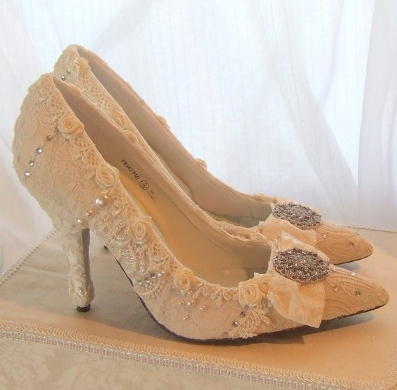 Wedding Day FANTASY Shoes With Vintage Lace And Swarovski Rystal