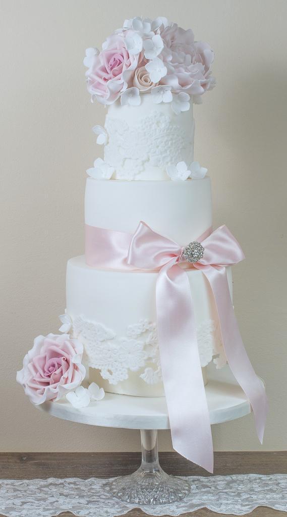 Peony Roses Wedding Cake
