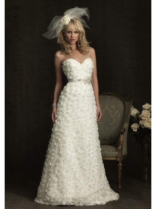 A line strapless sweetheart neck dropped sweep train lace for Sweetheart strapless a line wedding dress