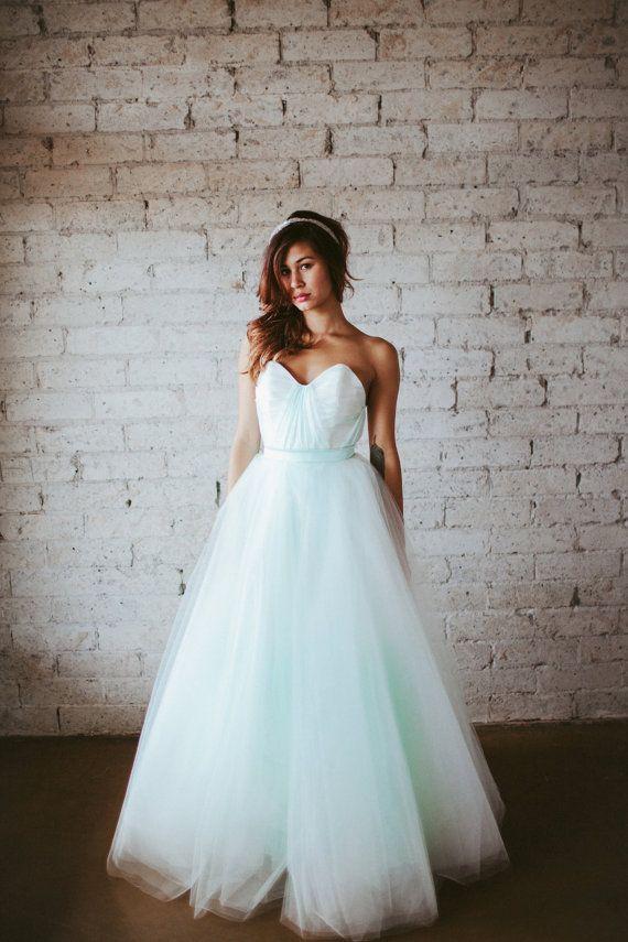 Schön Tüll Hochzeitskleid Bilder - Brautkleider Ideen - cashingy.info