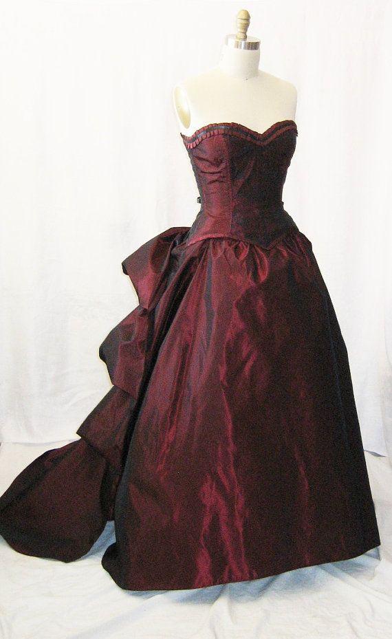 Gotische Hochzeit - Gothic Brautkleid Emerald Isle #2048429 - Weddbook