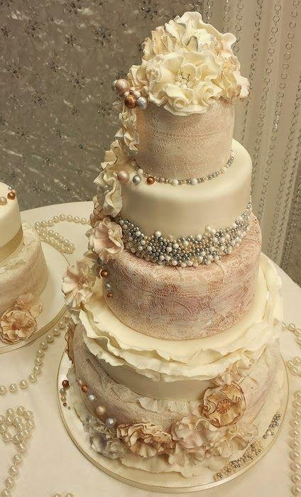 Vintage Wedding Ruffle An Pearl Cakes