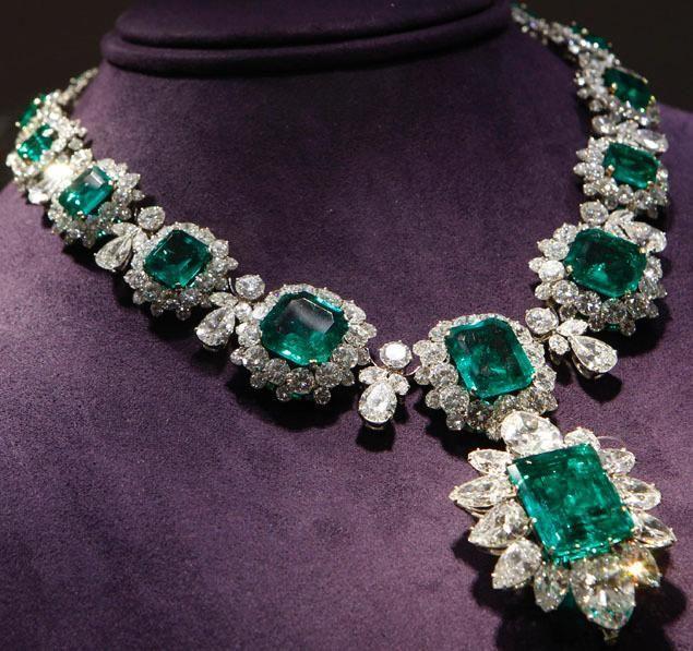 Jewelry Elizabeth Taylor Emerald Necklace 2049548