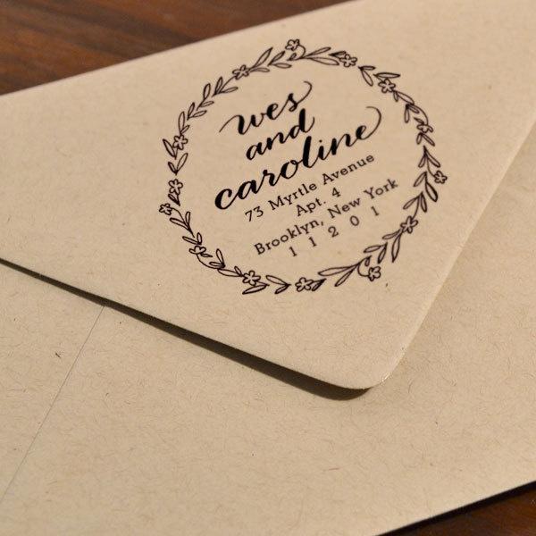 Hochzeit - Personalisierte Kalligraphie Blumenkranz-Stempel
