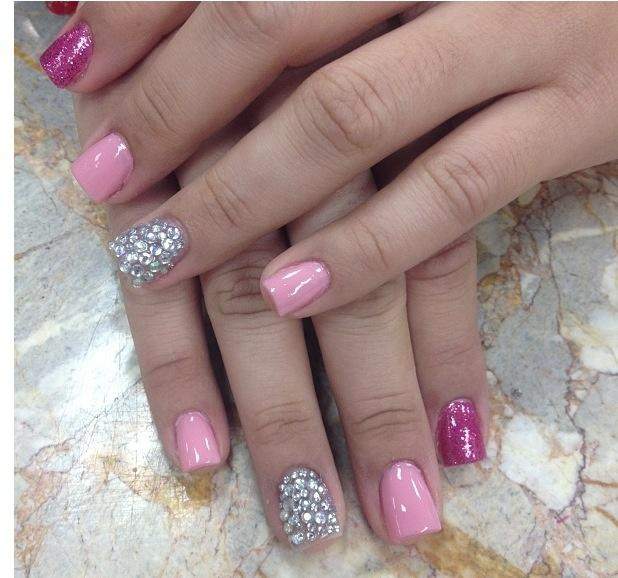 Wedding - Pink Rhinestone Nails