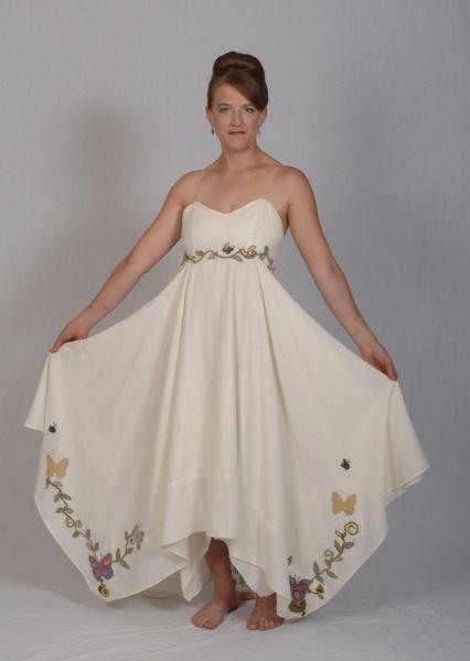 زفاف - المطرزة الفراشات