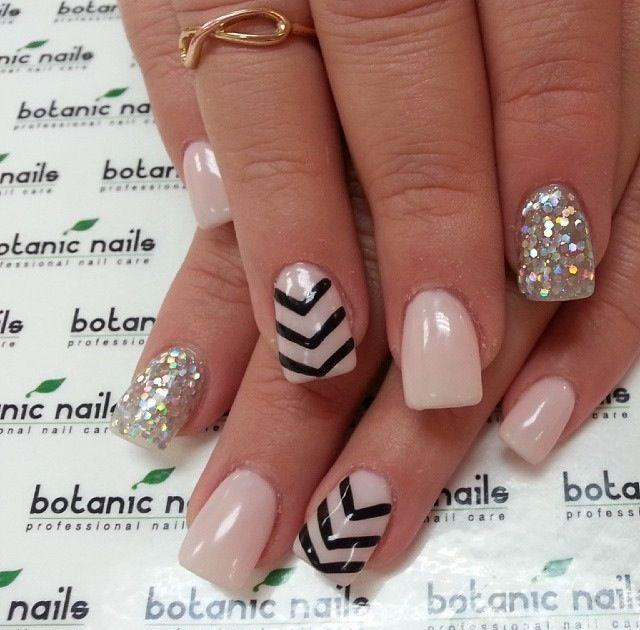 640 x 630 jpeg 58kB, Pink-glitter-pearl-black-nails-cute-nails ...