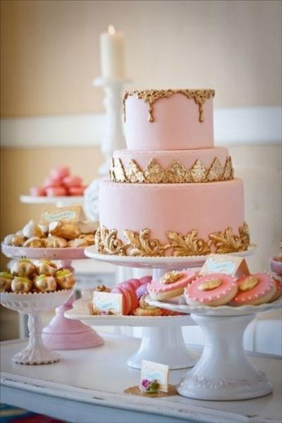 Rose et or gâteau nuptiale