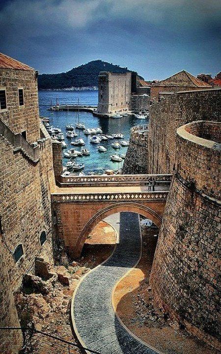 Mariage - Dubrovnik, en Croatie.