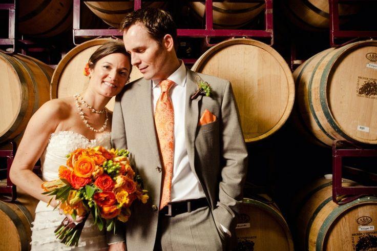 زفاف - برميل النبيذ خمر في حفل الاستقبال.