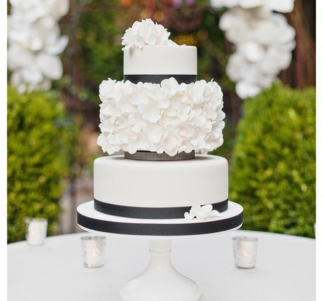 Modern Wedding Modern Wedding Cake 2053489 Weddbook