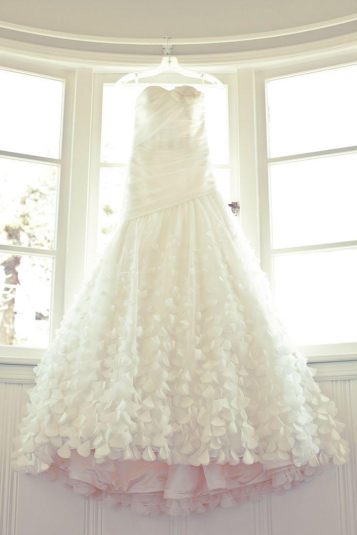 20 Unkonventionelle Hochzeitskleider Fur Die Moderne Braut 2054153 Weddbook