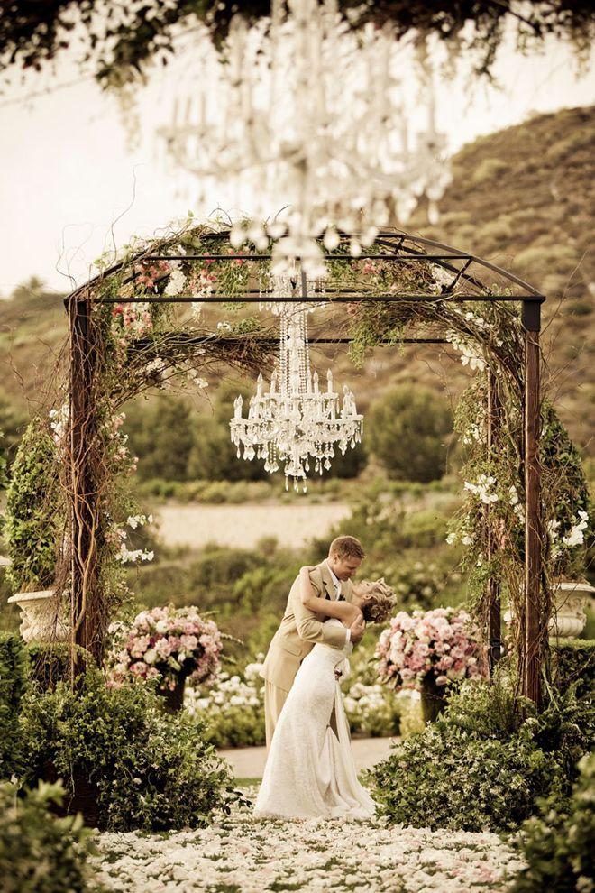 Свадьба - Элегантность Снаружи :)
