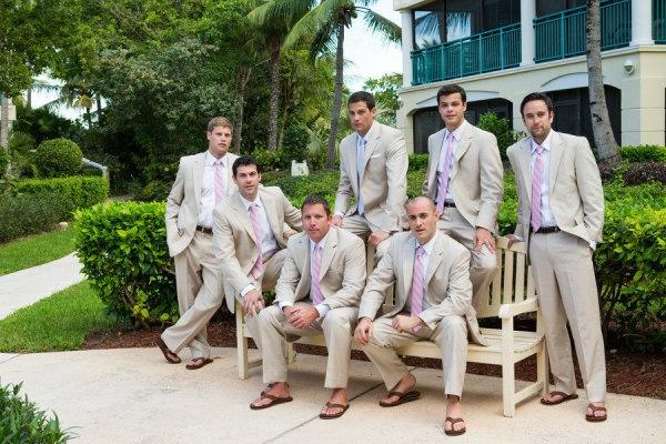 Hochzeit - Sandalen und Anzüge