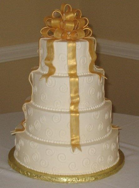Gold And Ivory Wedding Cakes Gold Wedding Cake