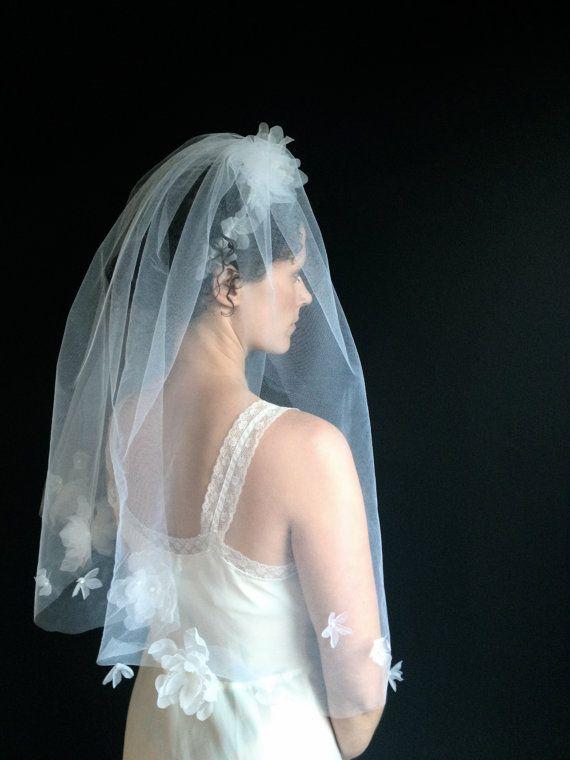 Mariage - Fleurs Veil - Voile - Pétale de fleur de la Couronne de fleurs - fleurs à la main - Couronne nuptiale - Bridal Veil - longueur d