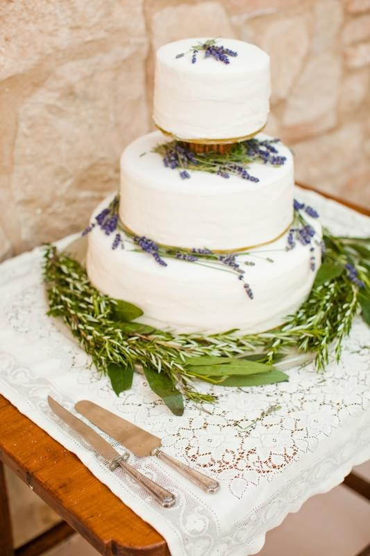 Hochzeitstorten Lavendel Hochzeitstorte 2056135 Weddbook