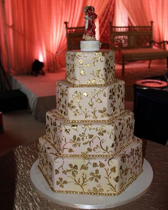 Indian Wedding Indian Wedding Cake 2056184 Weddbook