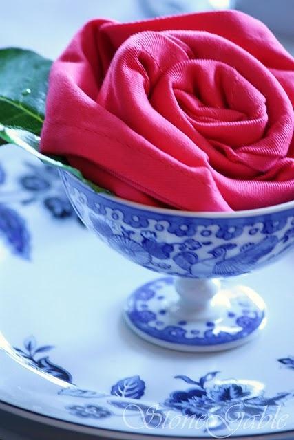 Mariage - Rose serviettes pliées