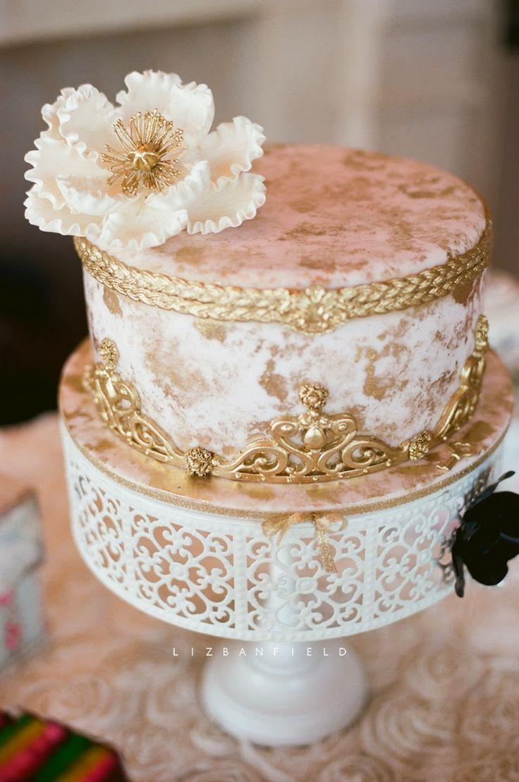 Goldhochzeits White Gold Hochzeitstorten 2056748 Weddbook