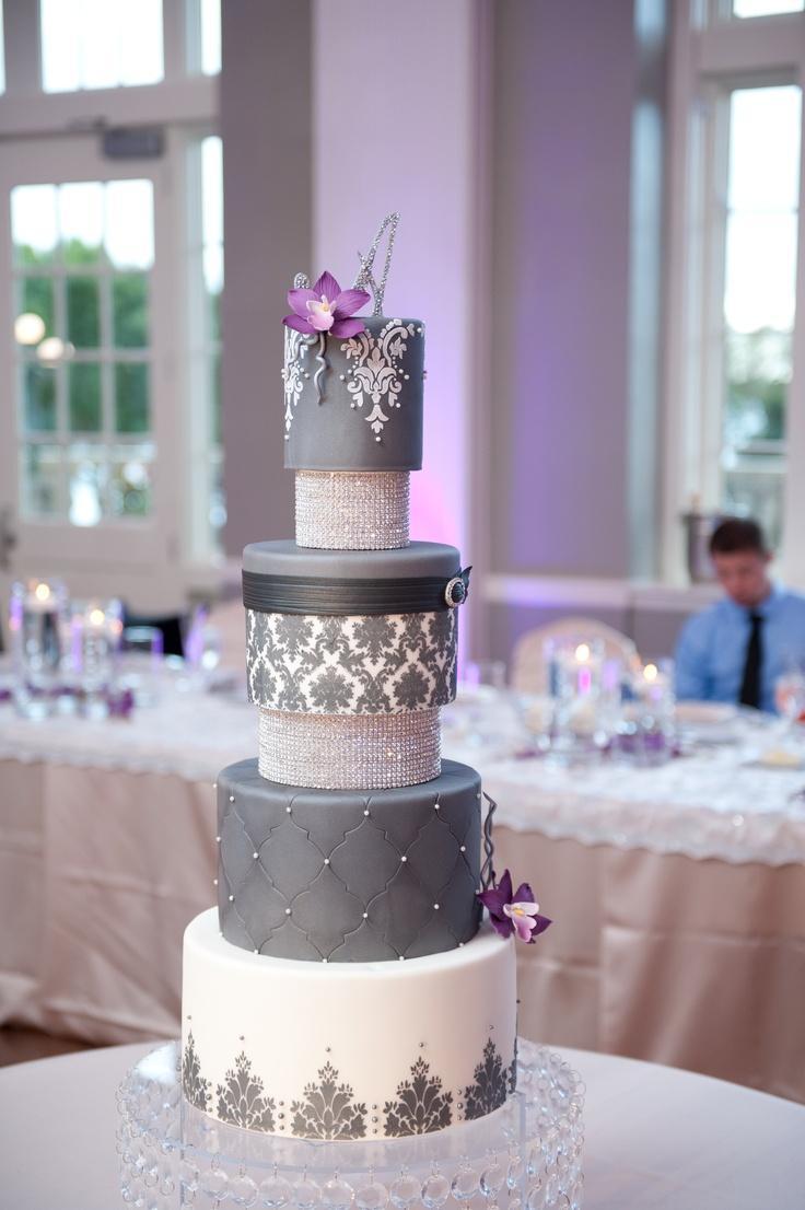Hochzeitstorten Grau Bling Kuchen 2056756 Weddbook