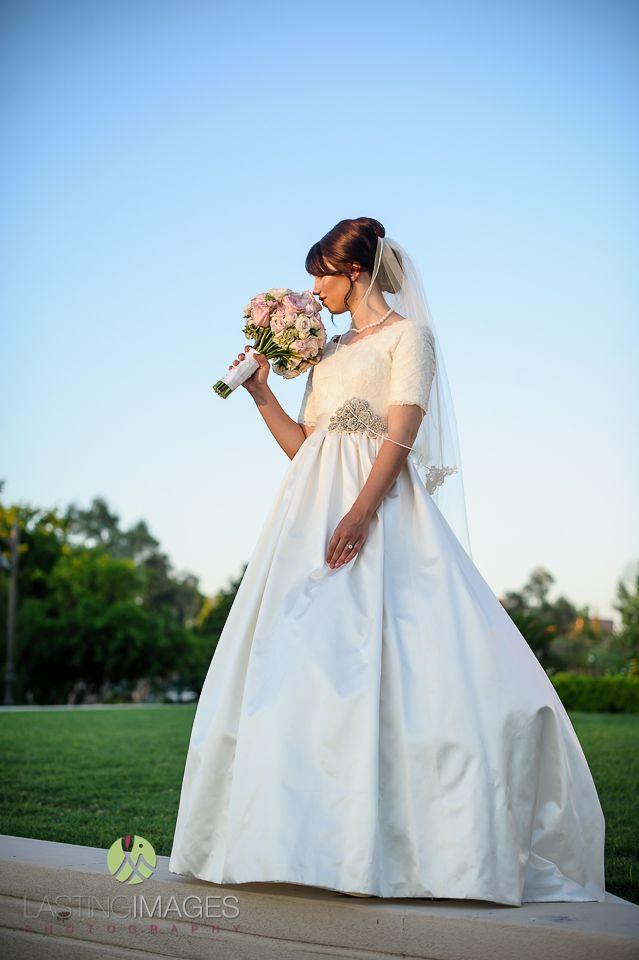 Boda - La novia con vestidos de novia de Sass