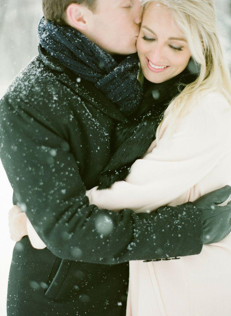 Wedding - Snowy Chicago Engagement   WIUP
