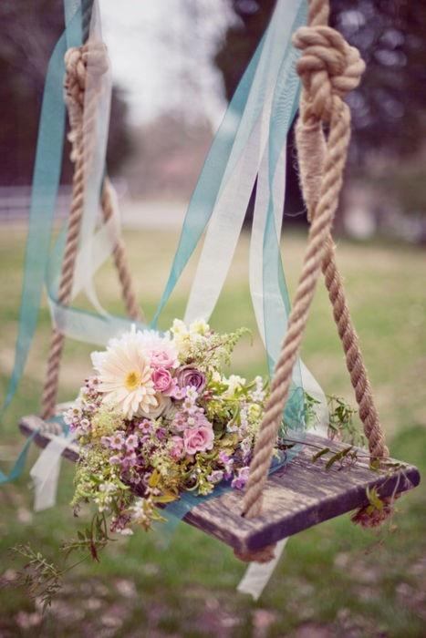 Свадьба - качели