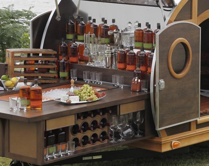 Ein Mobile Bar Inspiriert Von Bourbon Von 2060111 Weddbook