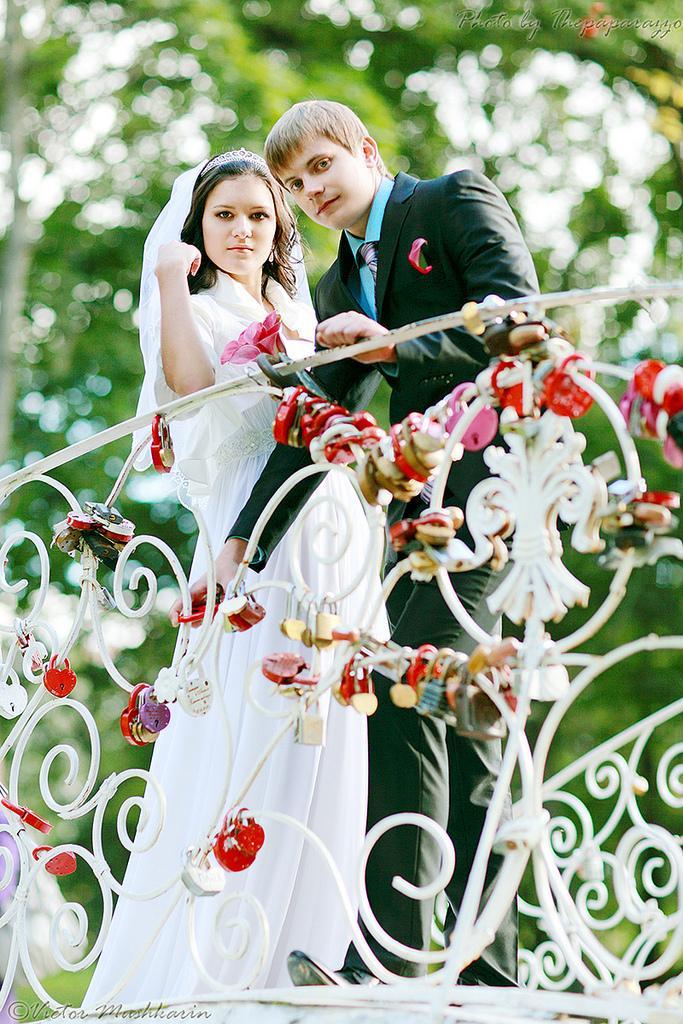 Wedding - On Bridge Of Love! (2973)