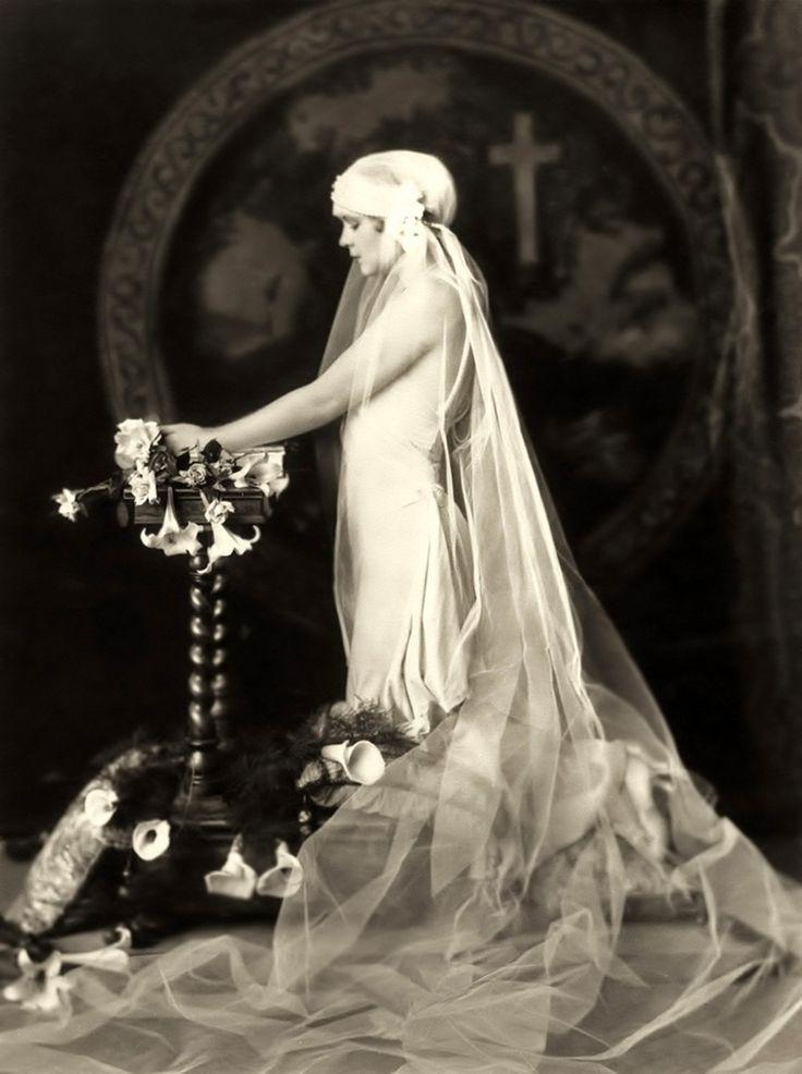 Art Deco Gatsby 1920s Wedding Inspiration 2060857
