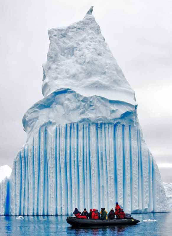 Düğün - Çizgili Buzdağı, Antarktika