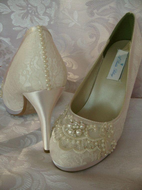 Hochzeitsschuhe Ivory Oder Weiss Brautschuhe Mit Spitze Und Perlen