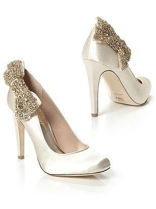 Wedding - Sparkly Bow Pumps? Yes, Please!