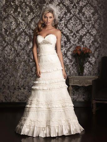 Mariage - Allure robe nuptiale dénommé 9011