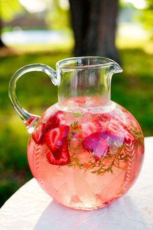 Hochzeit - Strawberry Iced Tea