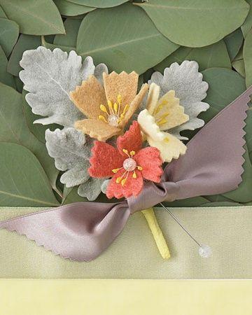 Свадьба - Бутоньерка С Чувствовал Цветы