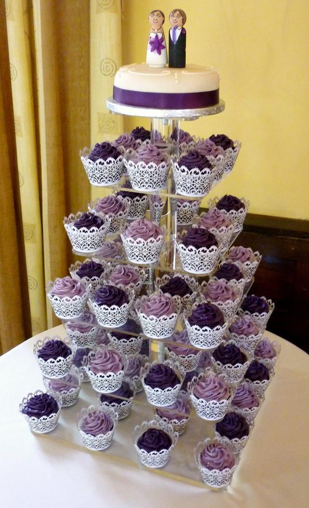hochzeits cupcakes sonnenschein auf hochzeits cupcakes. Black Bedroom Furniture Sets. Home Design Ideas