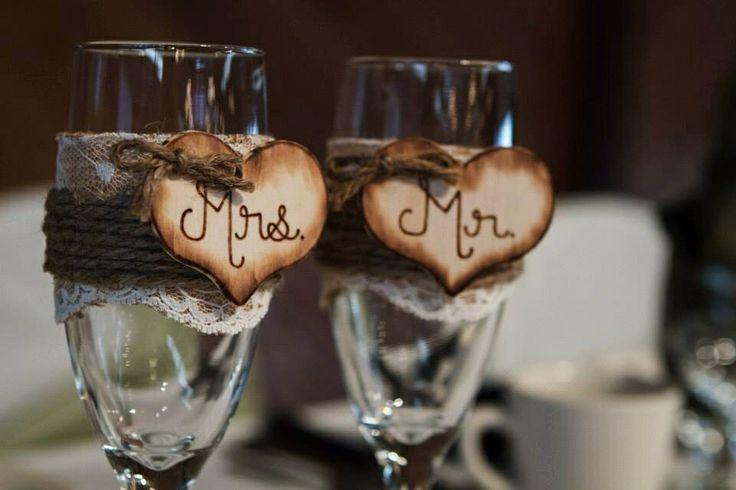 Rustic Wedding Theme Toasting Gles