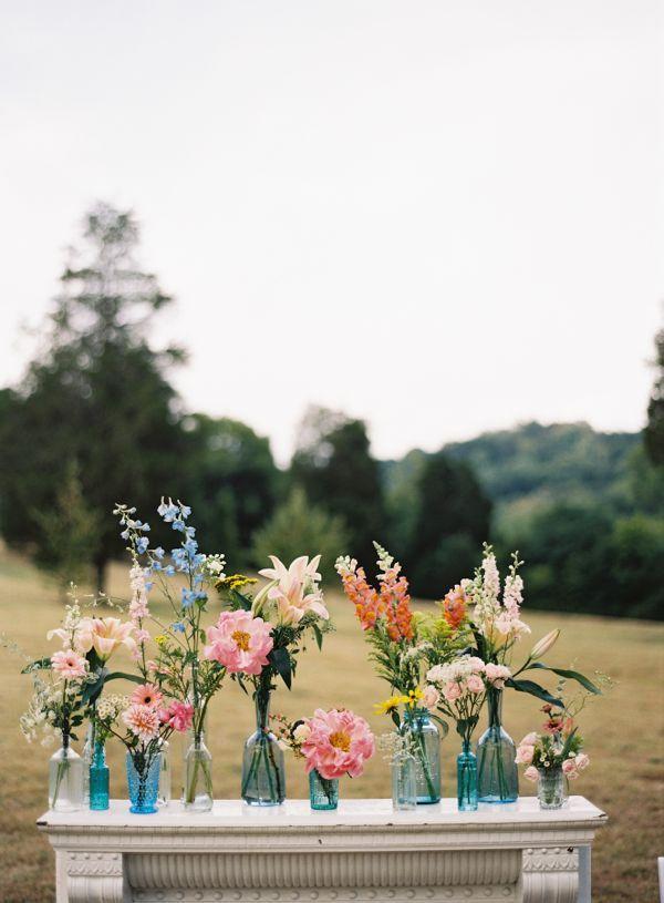 Bohmische Hochzeit Rustikal Mit Blumen In Vasen Einstimm 2068977