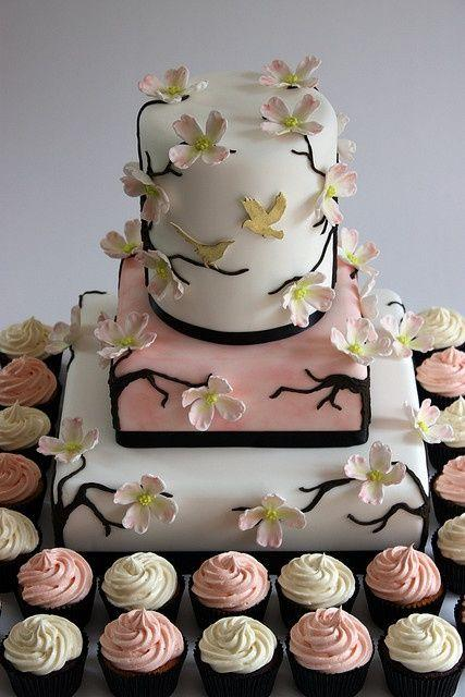 Wedding - Little Cake And Cupcakes.