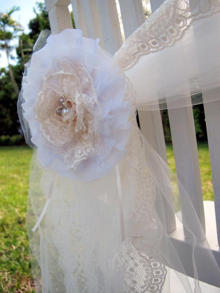 Set of shabby chic lace and pearls flower brooch decoration perfect for an el - Deco mariage retro chic ...