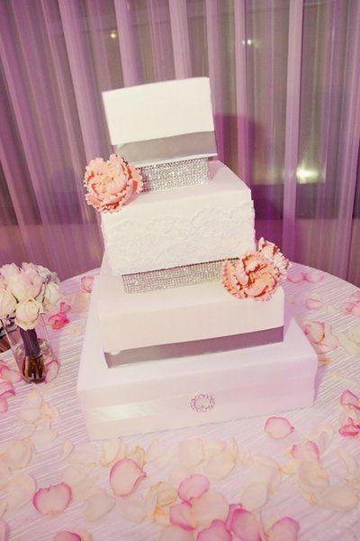 Wedding - Pretty Stand